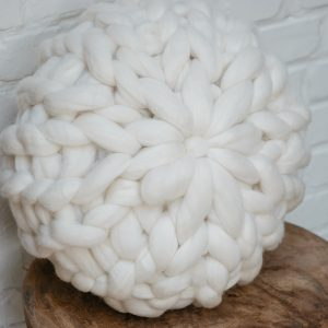XL knit pillow rond merinowol